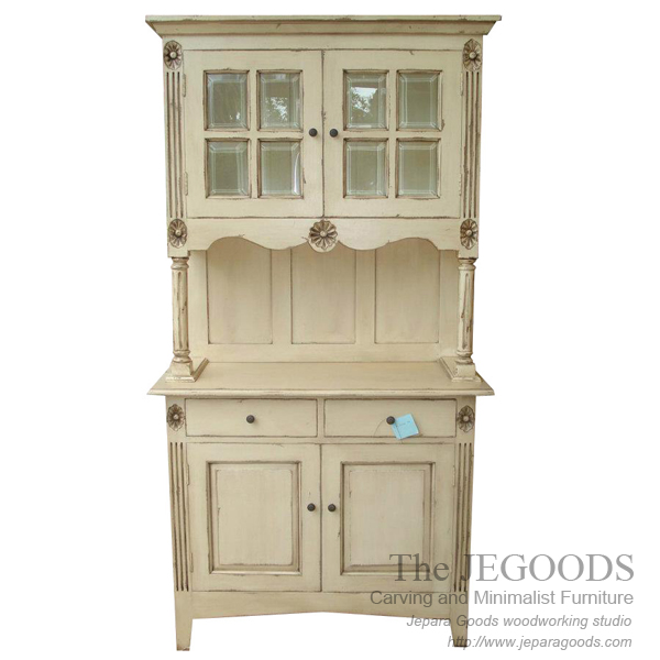 almari cabinet vintage,model lemari vintage shabby chic,shabbychic cabinet furniture jepara,white painted furniture,furniture ukir jepara cat putih duco,model mebel klasik cat duco jepara,shabby chic jepara vintage
