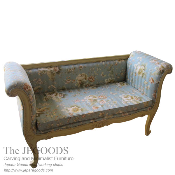Shabby Bench Love 2 Seat,love seat bench,jual shabby chic furniture jepara,model bangku vintage rotan jepara,white painted furniture,furniture ukir jepara cat putih duco,model mebel klasik cat duco jepara,shabby chic jepara vintage